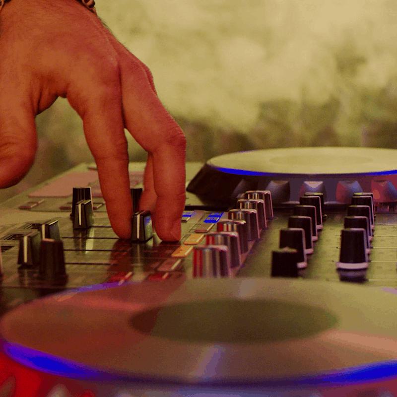 DJ MarcK am Pioneer DDJ 1000 Controller